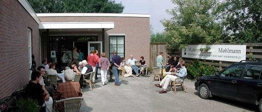 De ingang van het museum tijdens de opening van de 4e ORT