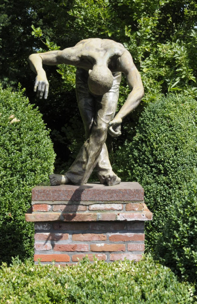Museum Mohlmann, Lotta Blokker, Levity, brons, levensgroot - museumvrienden